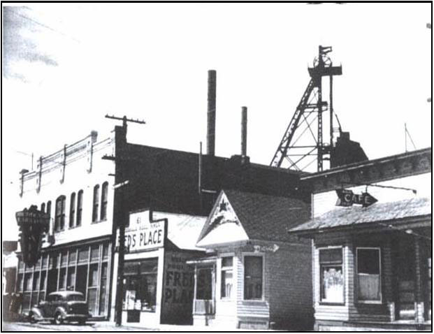 Berkeley Mine Headframe. Photo courtesy of the Butte-Silver Bow Public Archives.