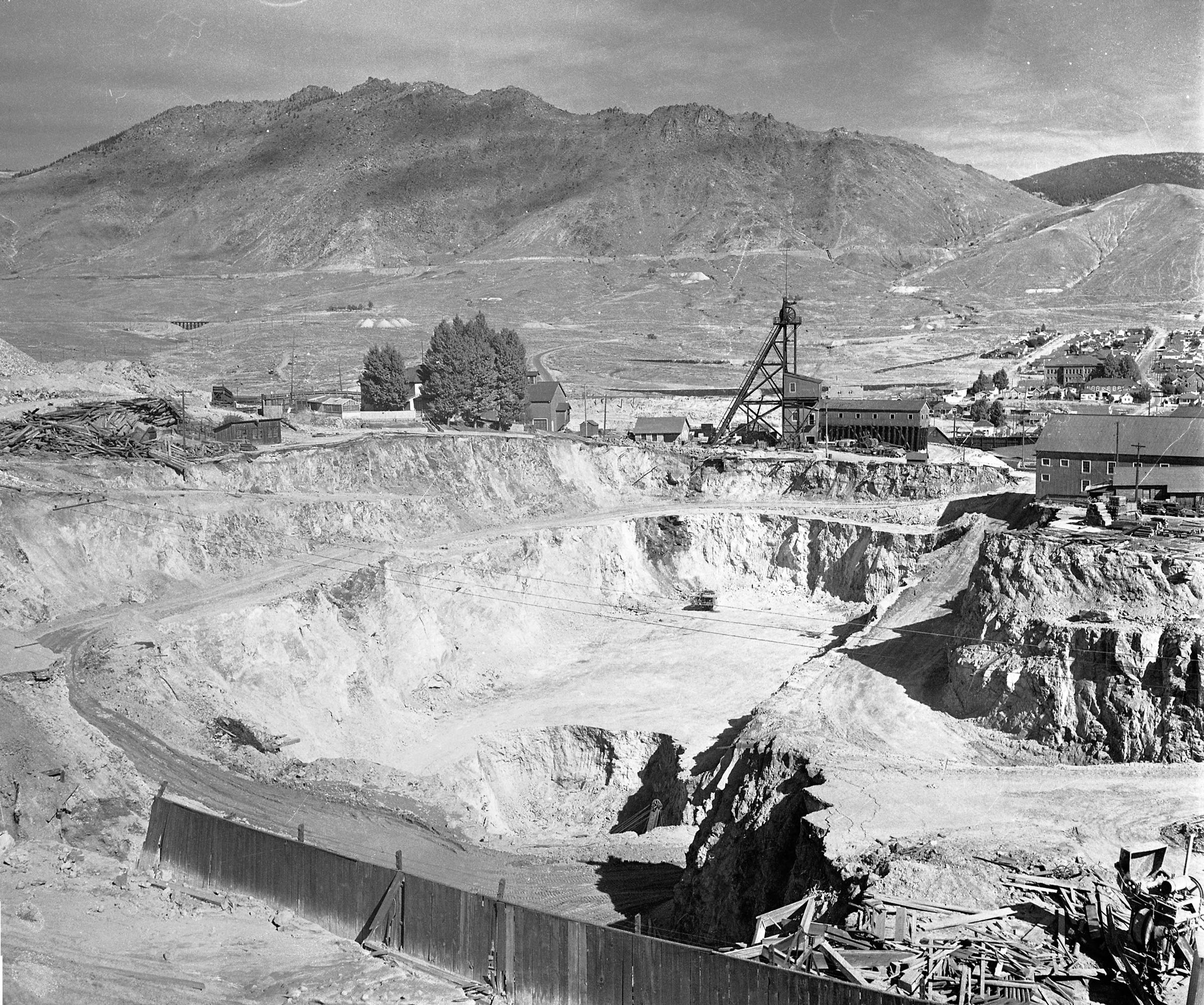 Berkeley Pit 1955. Photo courtesy of the Butte-Silver Bow Public Archives.