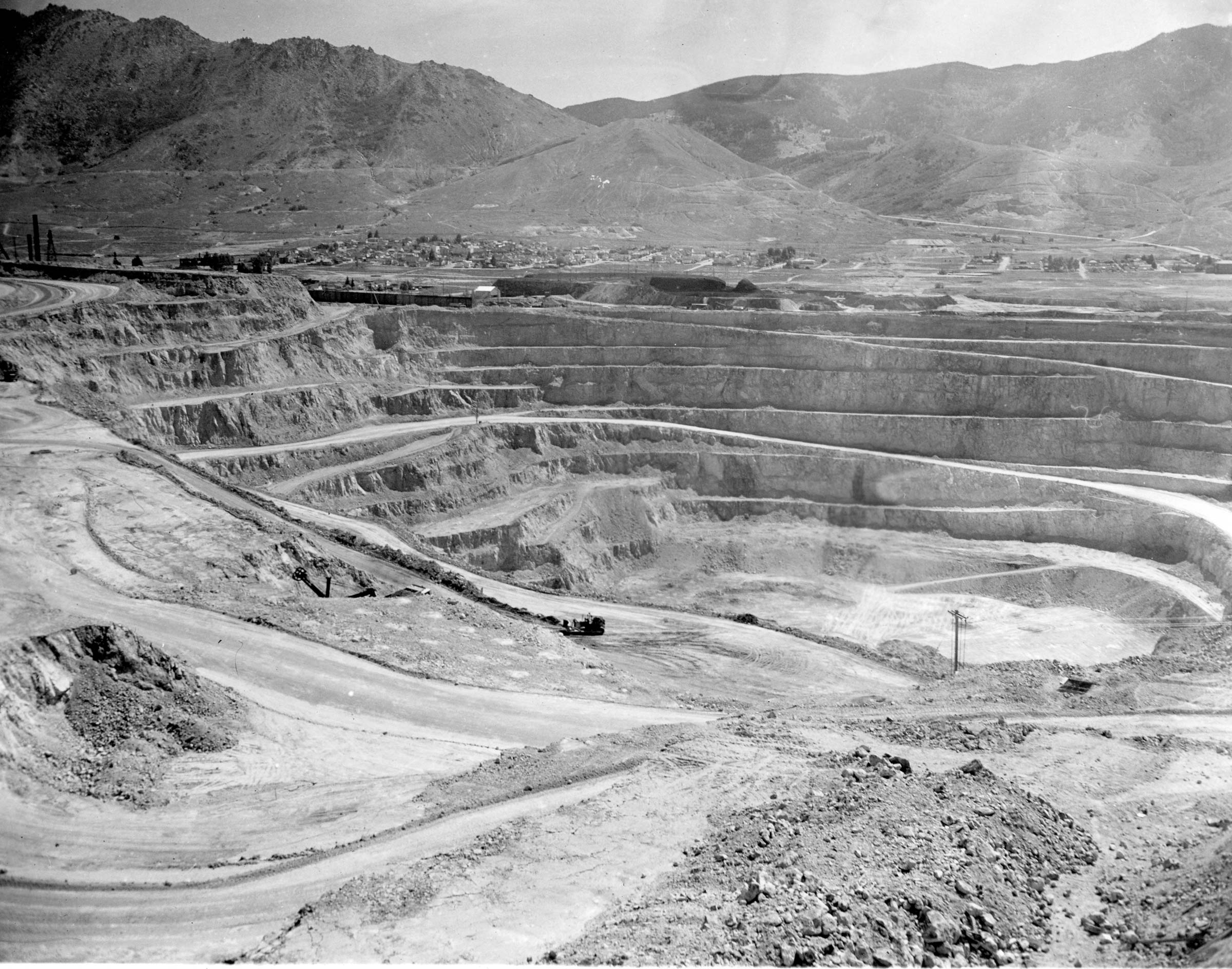 Berkeley Pit 1960s. Photo courtesy of the Butte-Silver Bow Public Archives.