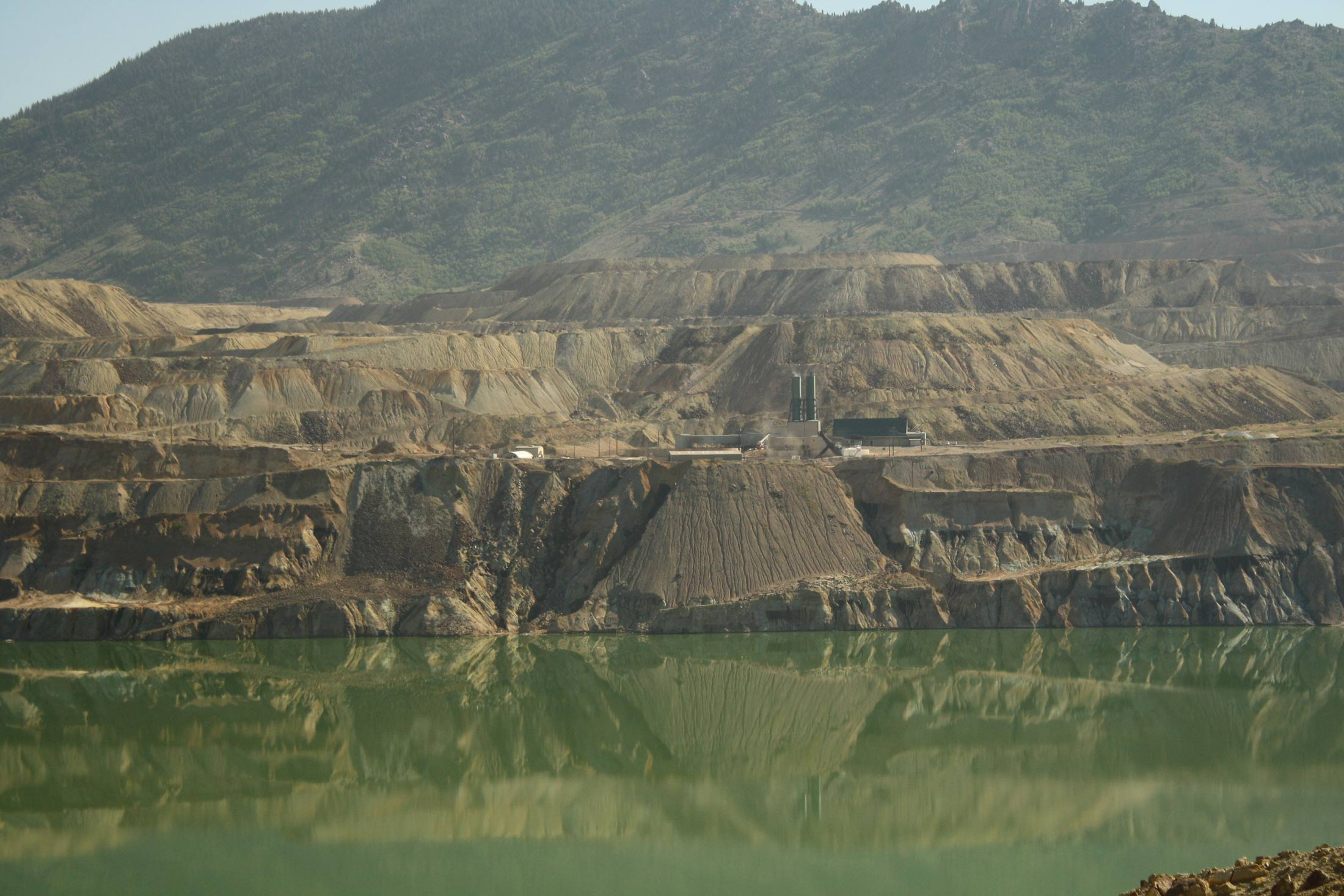 Berkeley Pit View of Horseshoe Bend Water Treatment Plant. Photo by Kayla Lappin, CFWEP.